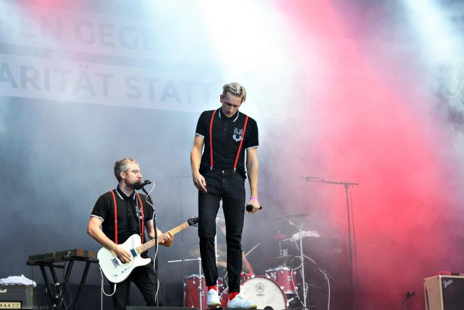 Kraftklub, a famous German band from Chemnitz, performs at the anti-racist, free concert organized following the demonstrations.
