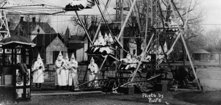 Photo from 1926 of Klansmen on a ferris wheel in Cañon City, CO.